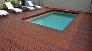Deck para piscina.